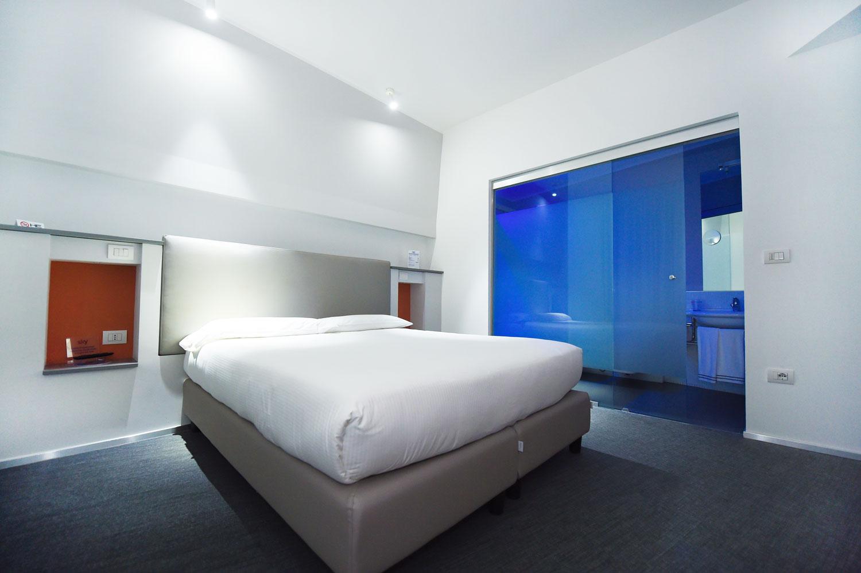 Camera Executive Inn dell'hotel con colori e combinazioni interessanti
